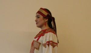 costume traiditonel de jeune fille, région de Rzhev